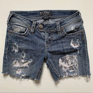 Silver Jeans Tuesdays cutoff shorts with lace